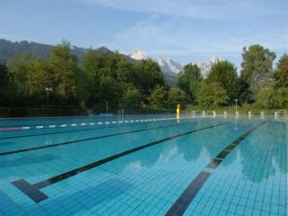 Schwimmbad gemeindewerke garmisch partenkirchen for Schwimmbad aussen